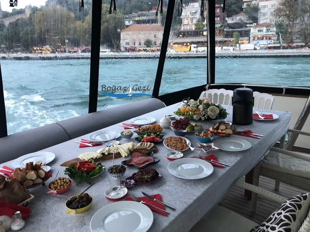 teknede kahvaltı fırsatları